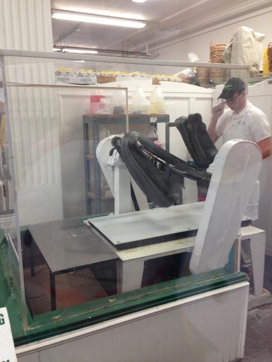 Making licorice salt water taffy at Ocean City, NJ (zigzag)