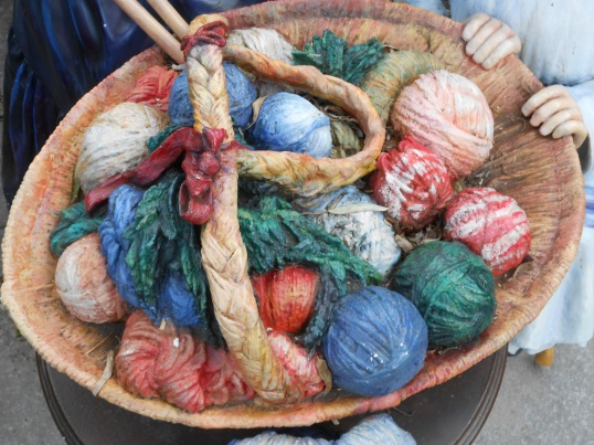Knitting in the garden, Janice Heck photo